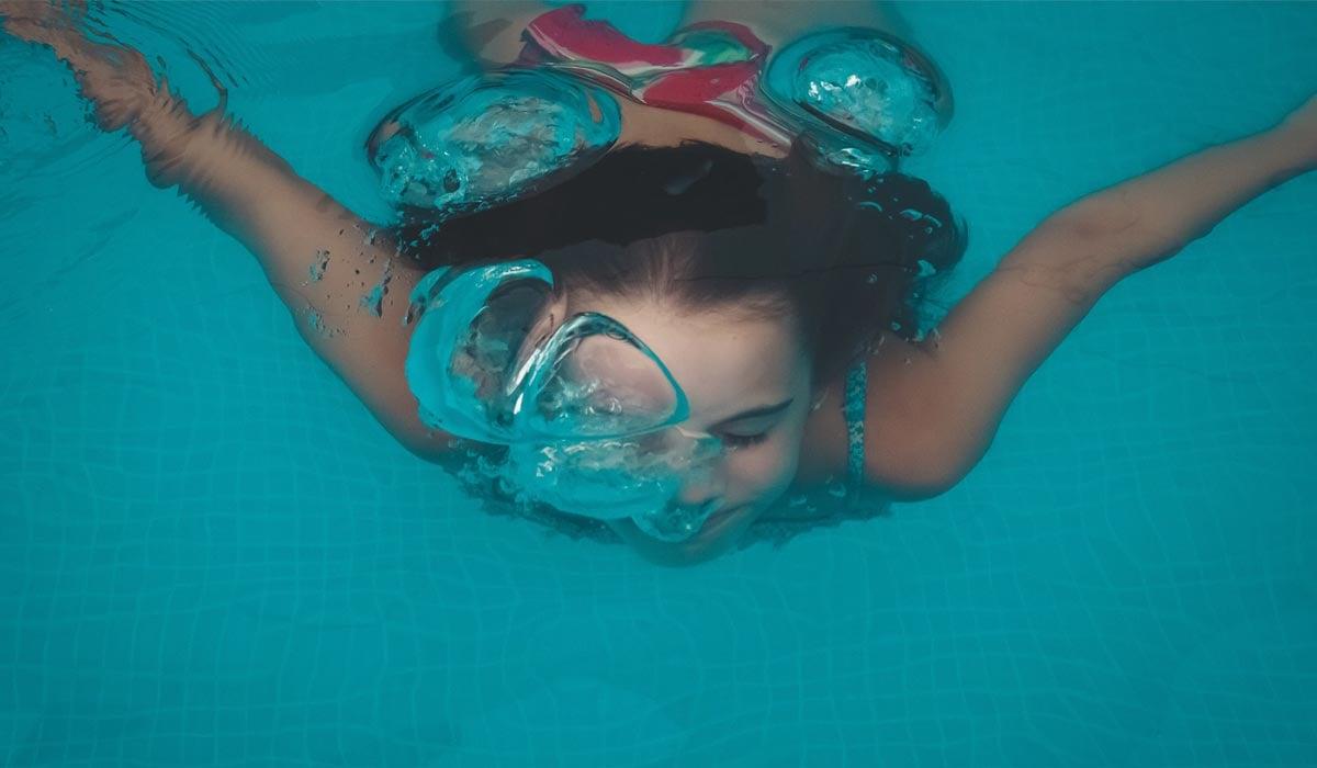 extraescolares-supervivencia-natación